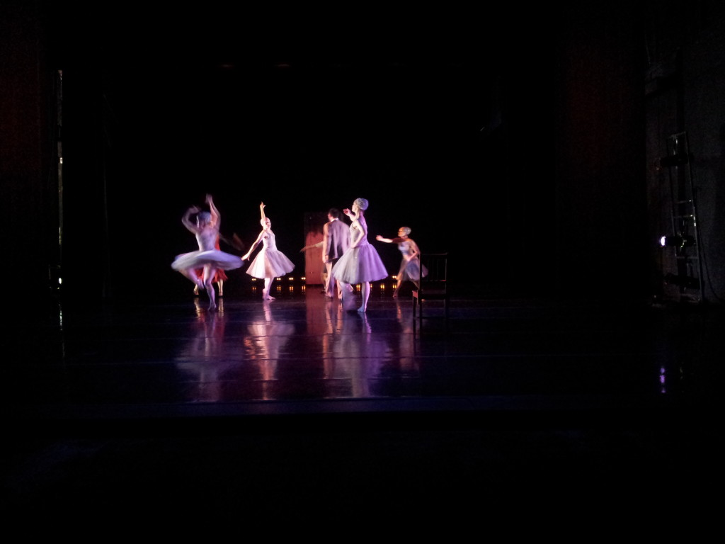 2013-12-13 21.10.19-Dancers-TheEnd